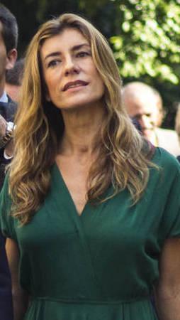 Eina per una comunicació no sexista (Observatori de les Dones en els mitjans de comunicació): Begoña vestit verd escena
